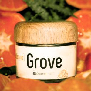 Glastiegel und Holzdeckel der Deocreme Mandarine Grove