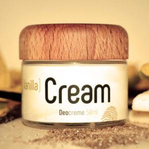 Glastiegel und Holzdeckel der Deocreme Vanilla Cream