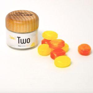 Die Deocreme Take Two Sommer Edition mit Zitrus- und Fruchtbonbonduft wirkt genau wie die Originalrezeptur ohne Beerenwachs